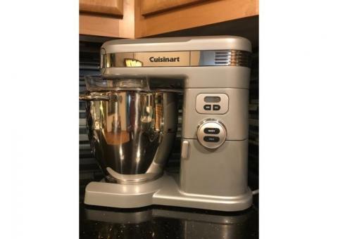 Cuisinart 1,000 Watt Stand Mixer